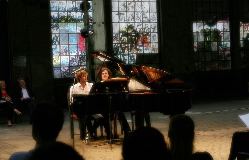 KONZERT 24.06.18 - Klavierduo L. Dering - A. M. Wagner & Texte H. Brecht00003 (c) (c) Madara Möhlmann.jpg