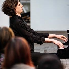 Leonhard Dering - Pianist - Foto: Oliver Leicht