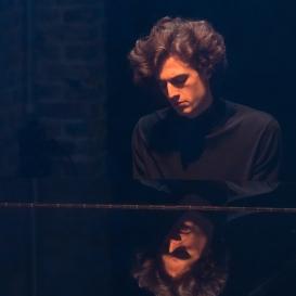 Leonhard Dering - Pianist - Foto: Peter Grün